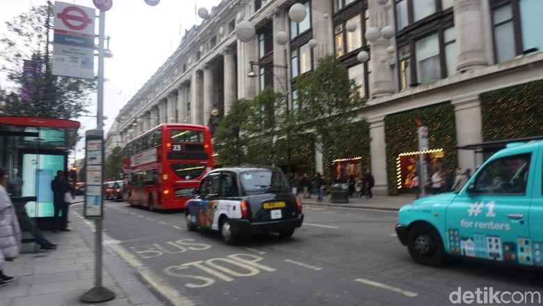 Taksi di Inggris Foto: (Erna/detikOto)