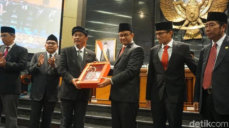 Ketua DPRD Balas Pantun: Rakyat Tak Sabar agar Anies Tepati Janji