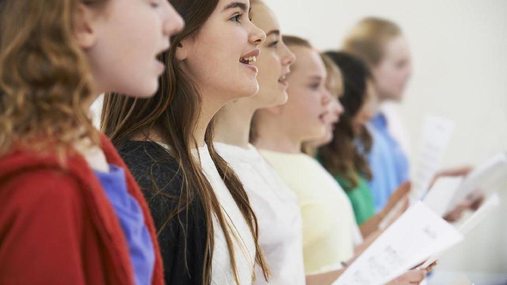 Dokter Hongaria Resepkan Nyanyi di Paduan Suara untuk Pasien Paru