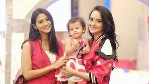 Hot Single Parent.. Ririn Ekawati Cantik Bergaun Merah