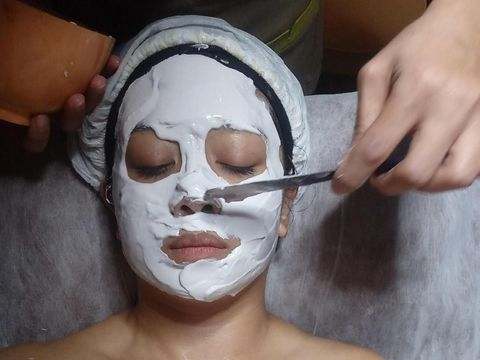 Kulit Lebih Halus & Lembab Setelah Facial Mutiara di Miracle Clinic