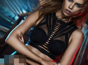 Foto Lingerie Seksi Hasil Kolaborasi Victorias Secret x Balmain