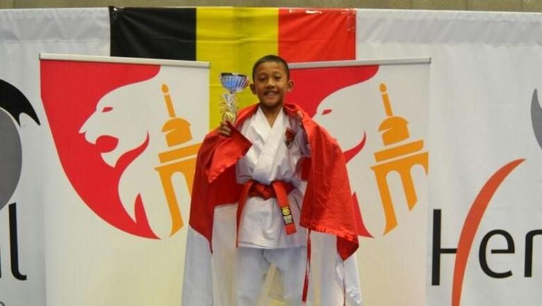 Bufon Anak Orang Susah Raih Emas Karate Internasional di Belgia