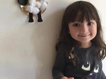Zjoske Marianne, gadis cilik blasteran ini cantik banget deh. Sebanyak 73 ribu follower di Instagram aktif mengikuti update-nya.. (Foto: Instagram/dinafitryah)