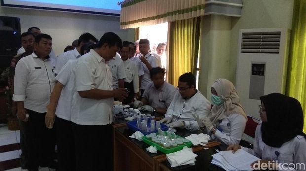 Tes urin kepada 1.127 PNS di Karawang