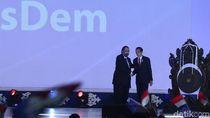 Kelakar Jokowi: Selamat Ulang Tahun Pak Surya Paloh yang Ke-38