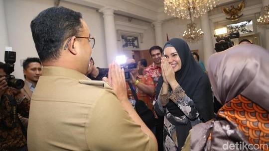 Wah, Manisnya Dewi Sandra Bikin Hati Adem