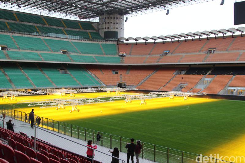 Stadion San Siro berada di San Siro, Italia. Stadion ini merupakan kandang dari club Jersey Inter dan AC Milan. (Erwin/detikTravel)