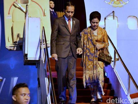 Presiden Jokowi dan Ibu Negara Iriana tiba di Manado, Sulut, Rabu (15/11/2017)