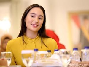 Senyum Manis Tatjana Saphira