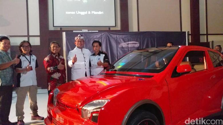 Mobil Listrik Crossover Ciptaan Dosen Bandung (Foto: Tri Ispranoto)