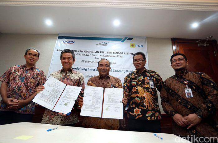 Hal ini dibuktikan dengan penandatanganan Surat Jual Beli Tenaga Listrik (SJBTL) antara PLN dan PT Wilmar Nabati Indonesia (WINA), Rabu (15/11), di PLN Kantor Pusat, Jakarta.