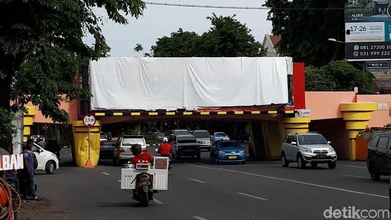 Ketua Tim Reklame Diminta Jelaskan Reklame Viaduk Kertajaya