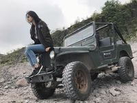 Miss International 2017 Kevin Liliana juga menjajal Jeep Willys