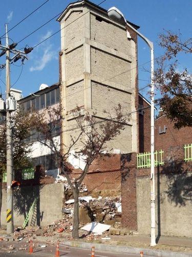 Salah satu kerusakan akibat gempa 5,4 SR di Korsel