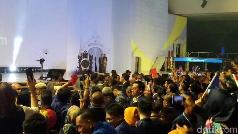 Jelang Pengukuhan Capres 2019, Jokowi Hadiri Rakernas IV NasDem