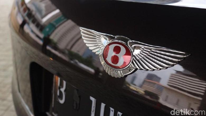 Logo Bentley (Foto: Dina Rayanti)