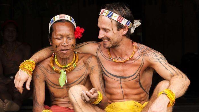 Pria Asal Melbourne Hidup 8 Tahun Bersama Suku Mentawai