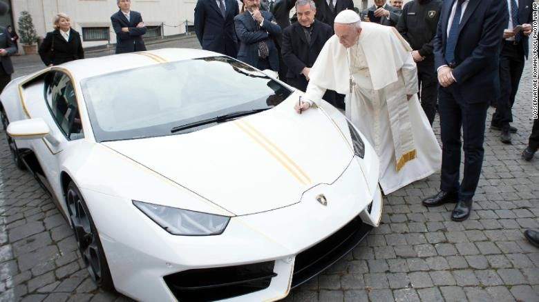 Lamborghini Paus Fransiskus Dilelang (Foto: Dok. CNN)