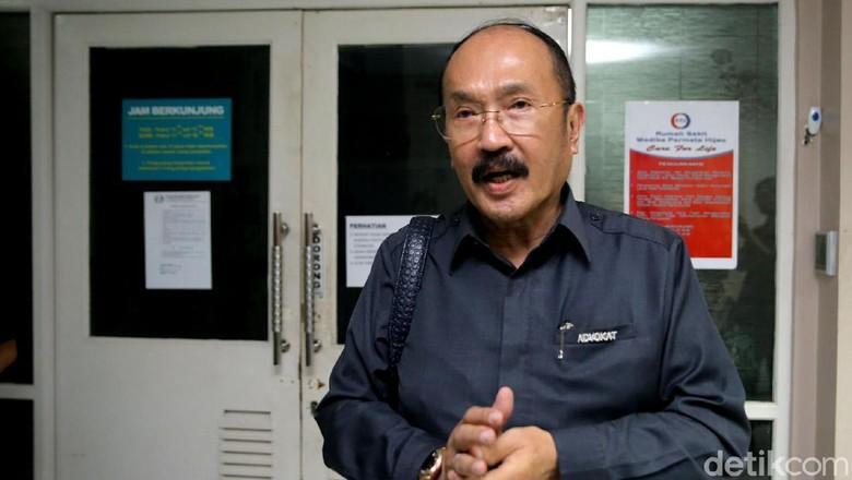 KPK Tahan Setya Novanto, Pengacara: Jangan Permainkan Hukum!