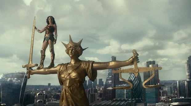 Drop di AS, Pendapatan 'Justice League' Tembus $100 Juta Secara Internasional