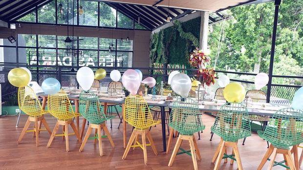 Santap Siang di Kafe Kekinian Bogor, Teras Dara