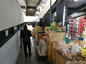 Melihat Pasar Kekinian Sarijadi Bandung yang Masih Sepi
