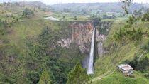 Lepas Rindu ke Air Terjun Kebanggaan Orang Batak, Sipiso-piso