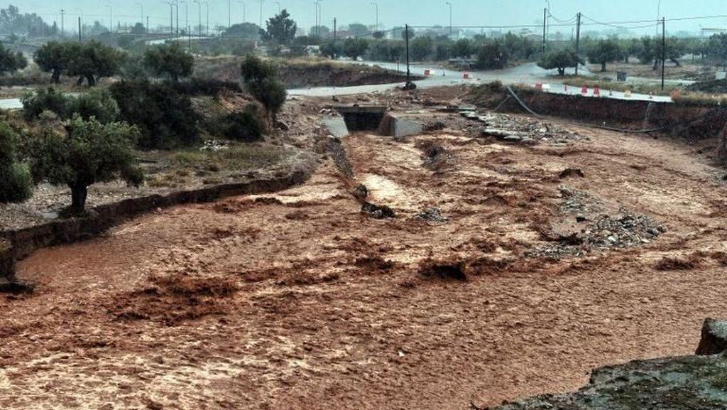 Mata Langit Banjir Maut di Yunani