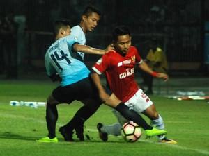 Persela Kalahkan Timnas All-Star 1-0 di Tribute Match Choirul Huda