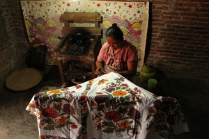 Umi Amiroh Penjaga Asa Batik Tradisional Pekalongan