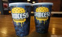 Lawless Burgerbar: Makan