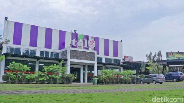 Toko oleh-oleh Repoeblik Telo, Malang