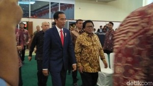 Jokowi Ibaratkan Debat Soal Infrastruktur Seperti Telur dan Ayam