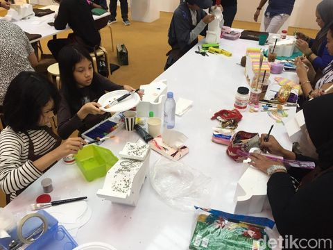 Rayakan Ulang Tahun ke-130, Braun Buffel Gandeng 20 Seniman Indonesia