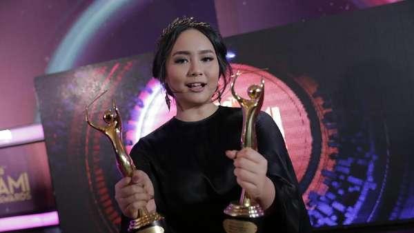 Mereka yang Bahagia Bawa Pulang Piala AMI Awards