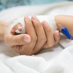 Ini Tentang Leukemia, Penyakit yang Dialami Putri Denada