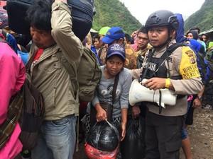 Warga Asli Papua Tak Mau Dievakuasi, TNI Siapkan Pos Pengamanan