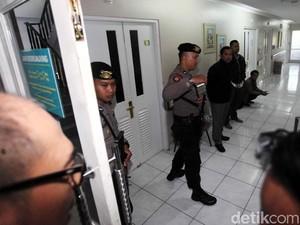 Dokter RS Medika: Novanto Cedera Kepala, Lecet Leher dan Tangan