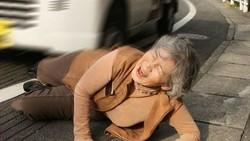 Awet muda tidak hanya untuk kondisi fisik saja tapi juga mental. Hal ini yang dimiliki oleh seorang nenek berusia 89 tahun dari Jepang.