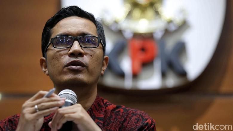Foto: Jumpa Pers KPK Resmi Tahan Setya Novanto