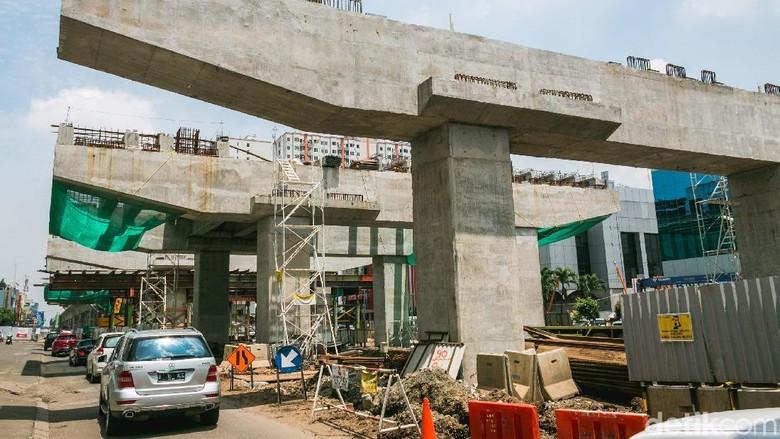 Sandiaga: Pembangunan LRT Kelapa Gading Sudah 65 Persen