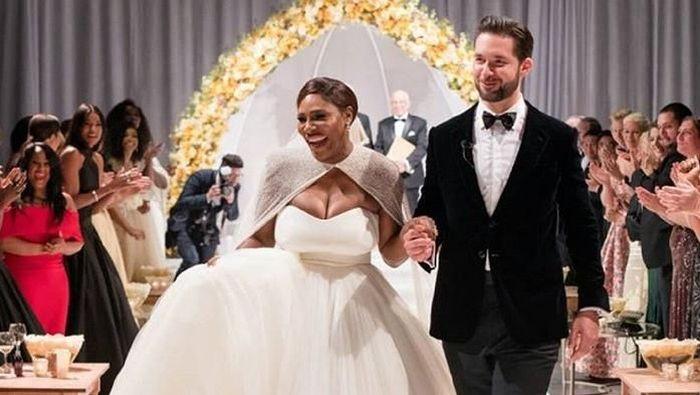 Kisah asmara petenis Amerika Serikat, Serena memasuki babak baru. Dia menggelar pernikahan dengan Alexis Ohanian di New Orleans. (instagram)