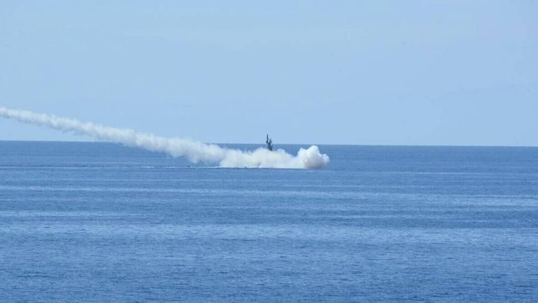 TNI AL Uji Coba Rudal C-705 di Laut Bali