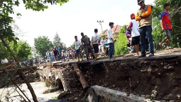 Banjir Bandang Terjang Lombok Timur, 2 Orang Meninggal