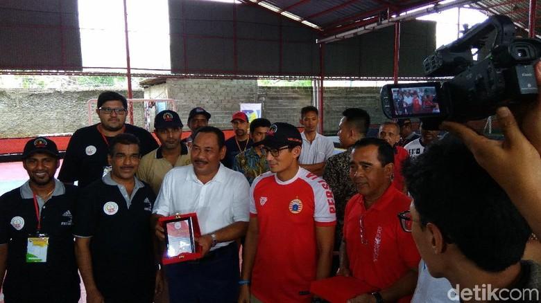 Sandiaga Buka Kejuaraan Futsal Gema Sadhana di Jakarta Barat