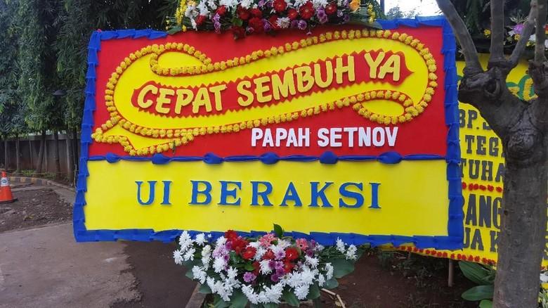 Bertambah Satu Lagi Karangan Bunga untuk Setya Novanto di RSCM