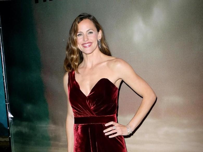 Waduh! Jennifer Garner Pacaran dengan Pria Beristri?
