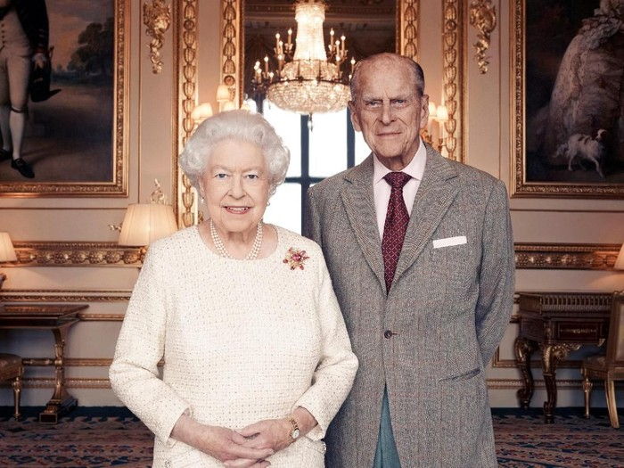 Handout photo issued November 18, 2017 by Camera Press of Britains Queen Elizabeth II and Prince Philip, Duke of Edinburgh, taken in the White Drawing Room at Windsor Castle in early November, in celebration of their platinum wedding anniversary on November 20. Matt Holyoak/CameraPress/PA Wire/Handout via REUTERS      MANDATORY CREDIT. FREE EDITORIAL USE UNTIL DECEMBER 3RD. FOR EDITORIAL USE ONLY, NO COMMERCIAL, SOUVENIR, COVERS OR PROMOTIONAL USE PERMITTED. THE PHOTOGRAPH CANNOT BE CROPPED, MANIPULATED OR ALTERED IN ANY WAY. THIS PICTURE WAS PROVIDED BY A THIRD PARTY. NO RESALES. NO ARCHIVE. *** Local Caption *** BSMID7043185
