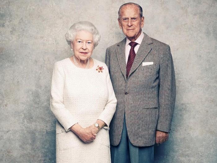 Ratu Elizabeth II dan Pangeran Phillip. Foto: Matt Holyoak/CameraPress/PA Wire/Handout via REUTERS